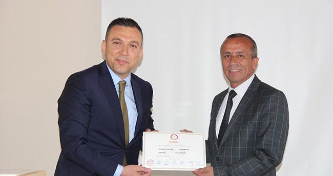 Yalıhüyük Belediye başkanı Koçer, mazbatasını aldı