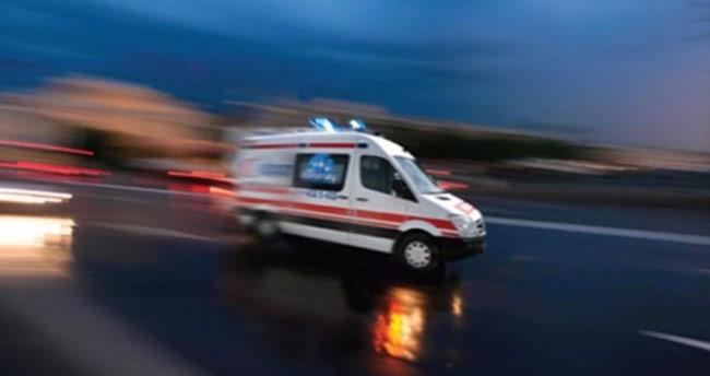 Kırmızı ışıkta geçen otomobil minibüse çarptı: 7 yaralı