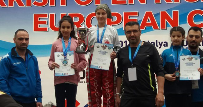 Meram Belediyesi sporcuları uluslararası turnuvadan 5 madalya ile döndü