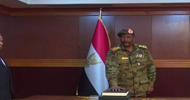 Sudan'da Askeri Geçiş Konseyi'nin yeni başkanı Abdulfettah el-Burhan oldu