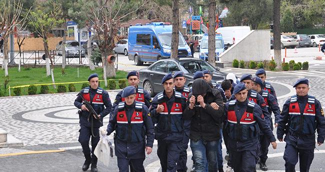 Konya'da okulu soyan hırsızlar yakalandı