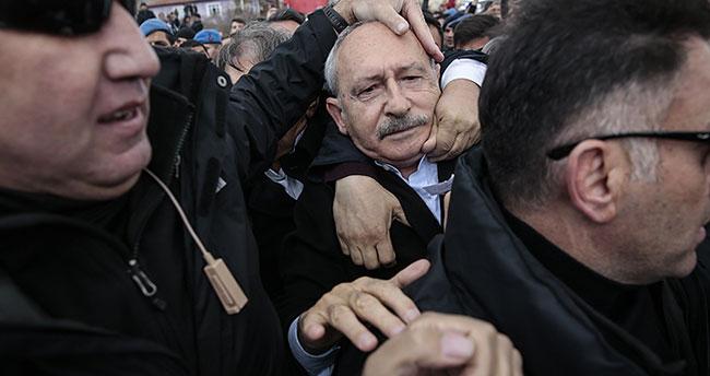 Kılıçdaroğlu zırhlı araçla evden çıkarıldı