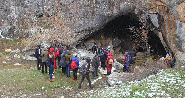Doğa yürüyüşü etkinliğiyle mağaralar tanıtıldı