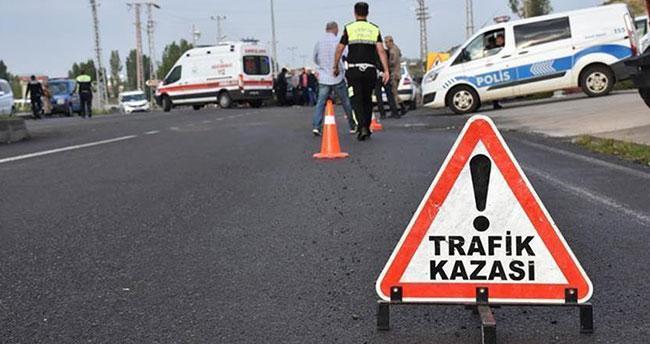 Buca'da trafik kazası: 3'ü çocuk 7 kişi hayatını kaybetti