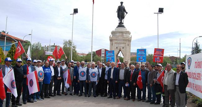 Türk-İş Konya 1 Mayıs'ı Anıt alanında kutladı