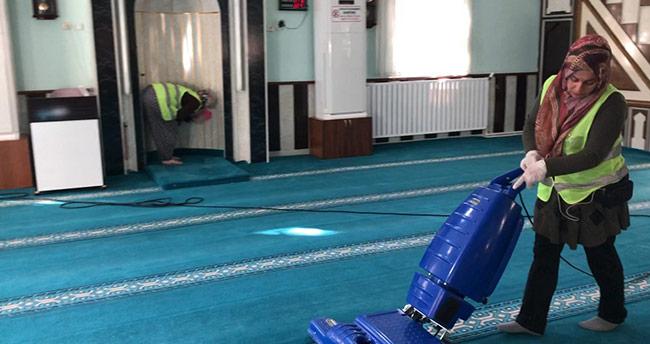Seydişehir'de Ramazan öncesi cami temizliği