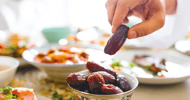 Açken alışveriş yapmayın! Ramazan'da israfa dikkat