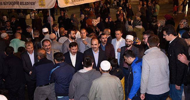 Konya'da Ramazan ayının ilk teravih coşkusu yaşandı