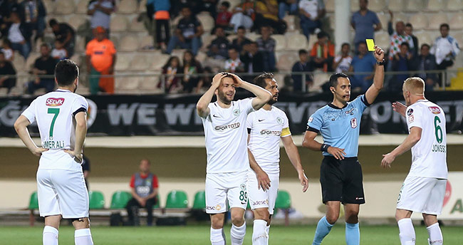 En fazla kart Alanyaspor-Konyaspor maçında çıktı