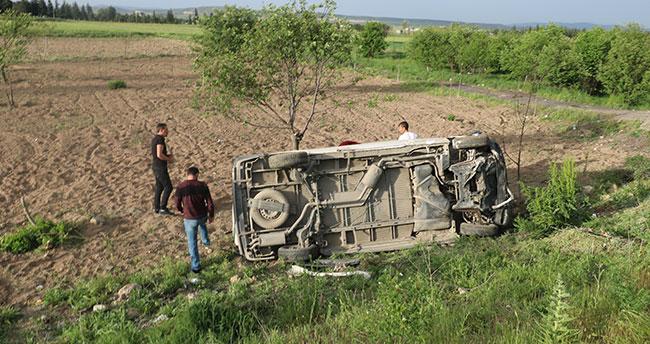 Afyonkarahisar-Konya karayolunda işçileri taşıyan midibüs devrildi: 7 yaralı