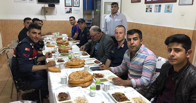 Çeltik Jandarma Komutanlığından şehit ailelerine iftar