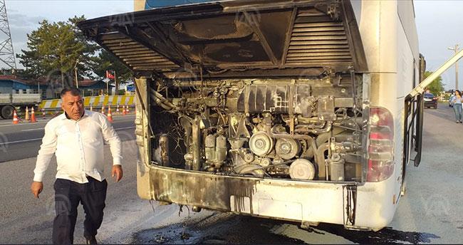 Konya'da alev alan otobüs son anda söndürüldü
