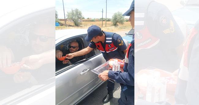 Konya'da jandarma vatandaşların bayramını kutladı