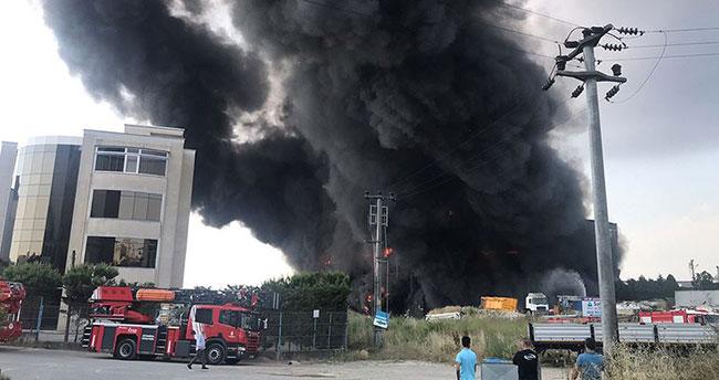Kocaeli'de depo yangını