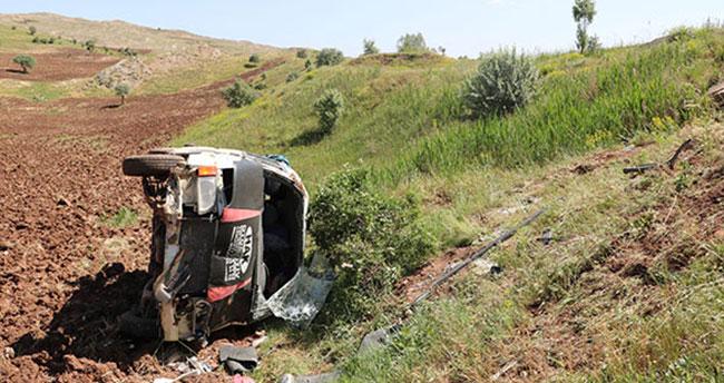 Düğün yolunda kaza: 2'si bebek 16 yaralı