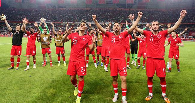 A Milli Futbol Takımı gruptaki ilk mağlubiyetini aldı
