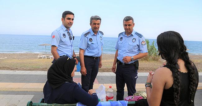 Mersin'de örnek uygulama: Yere çöp ve çekirdek kabuğu atana ceza