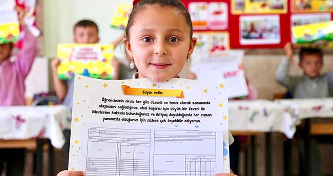 Konya'da 450 bin öğrenci karne aldı