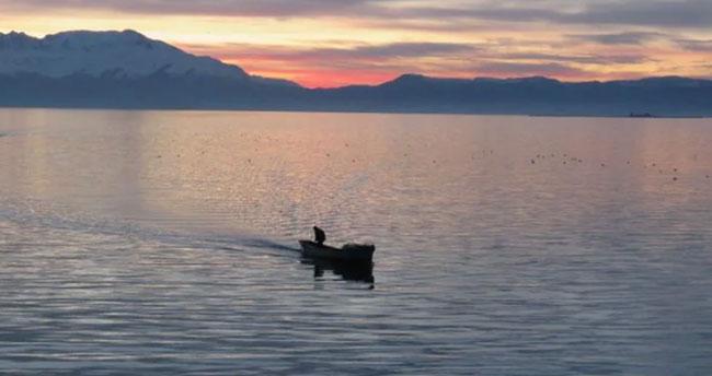 """Beyşehir Gölü'nde balıkçılar """"vira bismillah"""" dedi"""