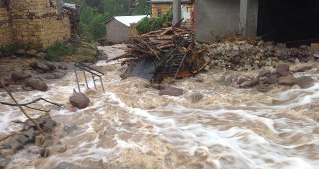 Konya'da sel bilançosu: 97 koyun telef oldu, mahsur kalan vatandaşlar kurtarıldı
