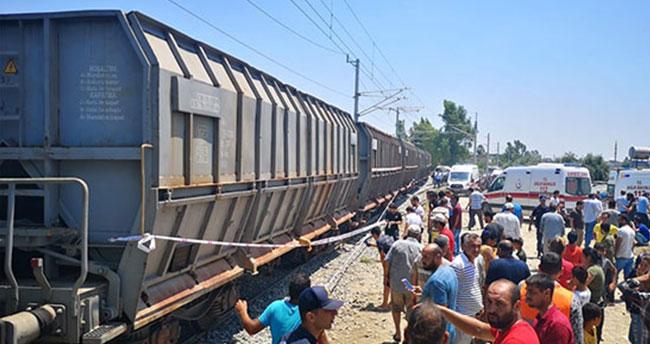Mersin'de tren servis minibüsüne çarptı!