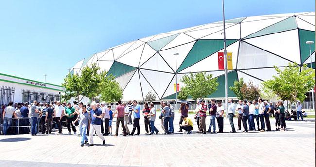 Konyaspor'da yeni sezon kombineleri satışa çıktı
