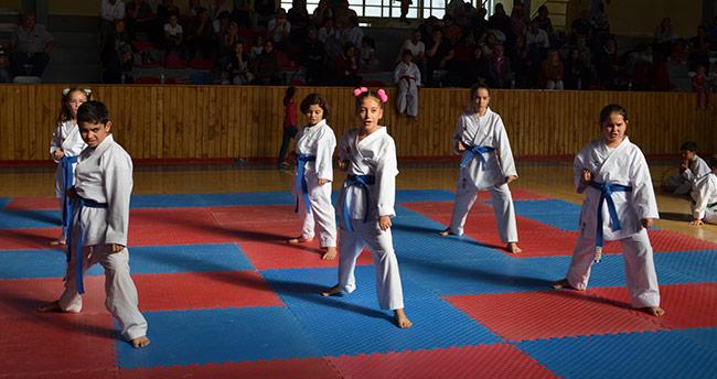 Ilgın'da karateciler kemer sınavında ter döktü