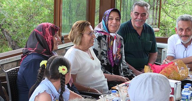Nevin öğretmen 47 yıl sonra Konya'da öğrencileriyle buluştu