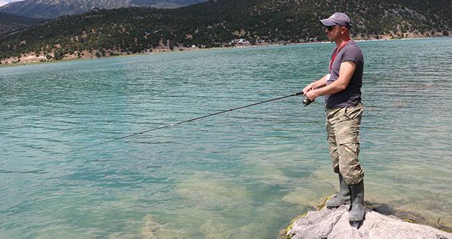 Amatör olta tutkunları, Beyşehir Gölü'nde buluştu