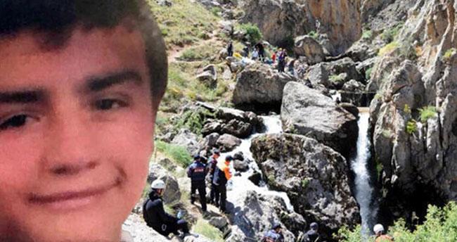 18 yaşındaki genç, şelaleyle selfie çekerken suya düştü! Konya'dan polis dalgıçlar desteğe gitti