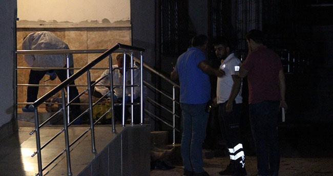 Konya'da bir kişi arkadaşlarıyla gezdikten sonra apartmanın merdivenlerinde ölü bulundu