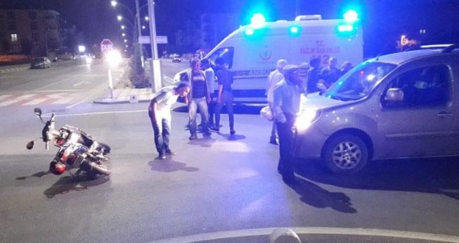 Karaman'da hafif ticari araçla elektrikli bisiklet çarpıştı: 2 yaralı