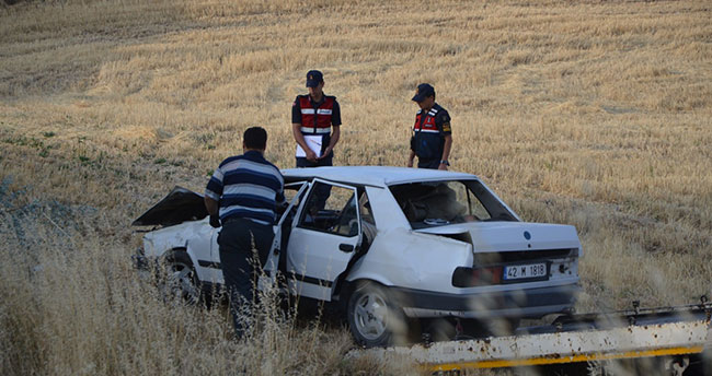 Konya'da otomobil şarampole uçtu: 2 yaralı