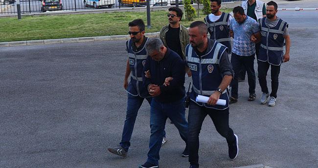 Yaşlı kadını duayla kandırıp 50 bin liralık bilezik çalan 2 dolandırıcı Konya'da yakalandı