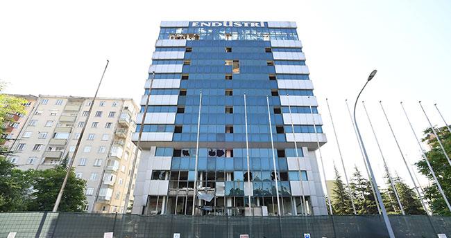 Konya'da batan Endüstri Holdingin binası yıkılıyor