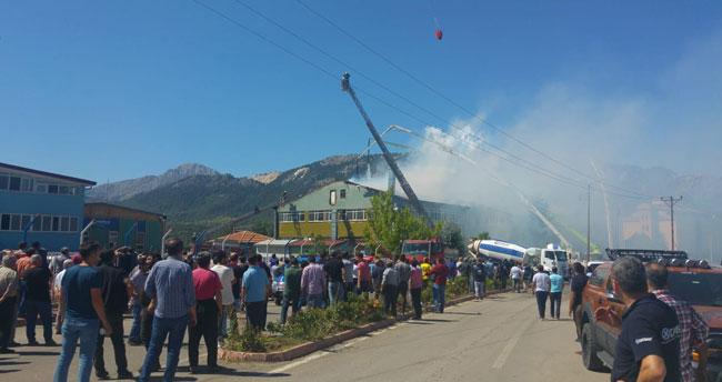 Konya'da silah kooperatifine ait binadaki yangın söndürüldü!