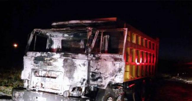 Konya'da hareket halindeki hafriyat kamyonu yandı