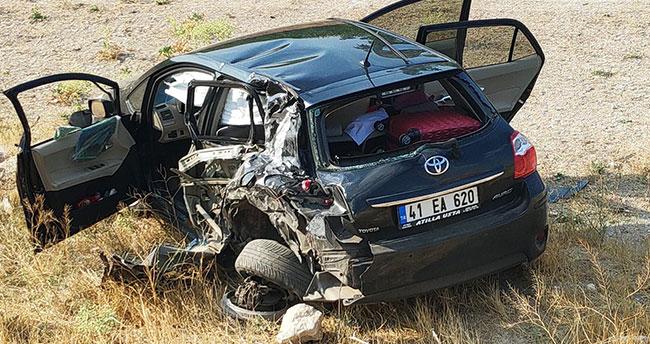 Konya'da otomobile çarpan tır yandı: 2 yaralı
