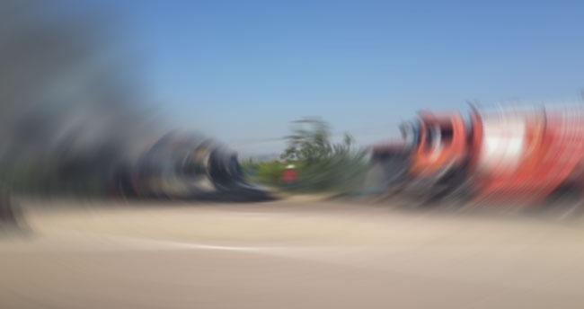 Konya'da balya yüklü kamyon yandı