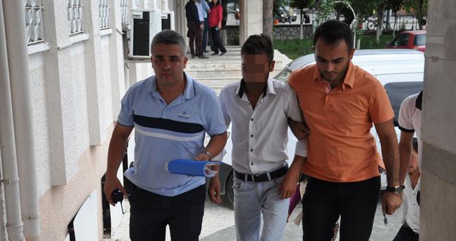 Konya'da bıçaklı yaralama! Birlikte yaşadığı genç kızı ve annesini bıçakladığı iddia edilen kişi tutuklandı