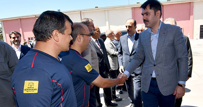 Bakan Kurum Konya'da itfaiye personeliyle bayramlaştı