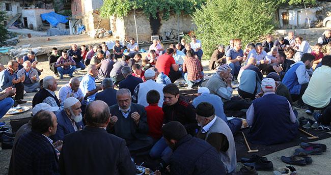 """Konya'nın bu mahallesinde bayram """"dam""""da başlıyor"""