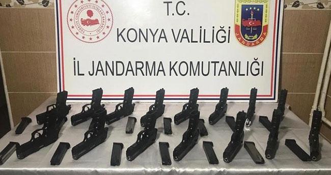 Konya'da jandarmanın silah operasyonu: 15 adet ruhsatsız ve…