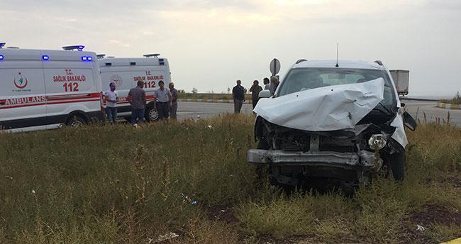 Konya'da iki araç çarpıştı: 6 yaralı!