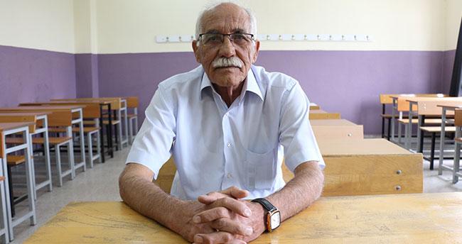 Konya'da bir vatandaş 71 yaşında üniversiteli oldu