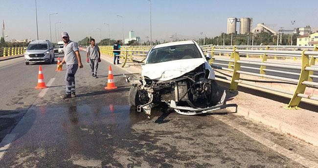 Konya'da bariyer demirleri otomobile ok gibi saplandı: 2 yaralı