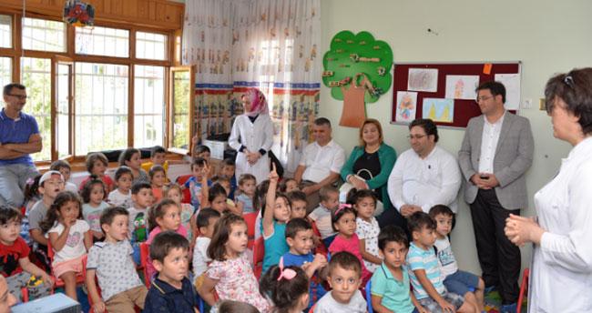 Konya Eğitim ve Araştırma Hastanesi kreşinde sağlıklı beslenme ve diş sağlığı eğitimi