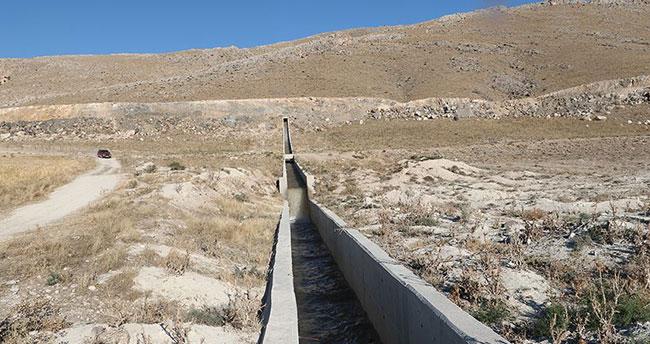 Konya'daki Hotamış Gölü 'Mavi Tünel'le canlanıyor