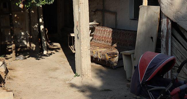 Karaman'da bir genç evin bahçesindeki kanepede ölü bulundu