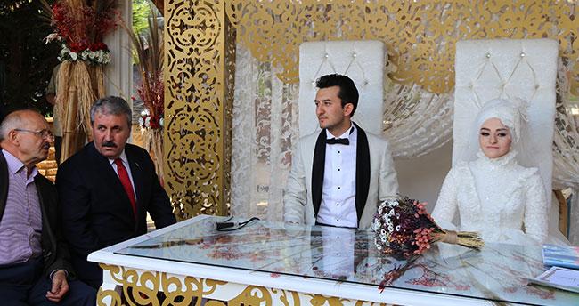 BBP Genel Başkanı Destici Konya'da nikah şahidi oldu